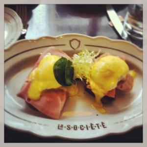 Eggs Benny - La Societe