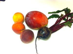 Mango peach beet smoothie